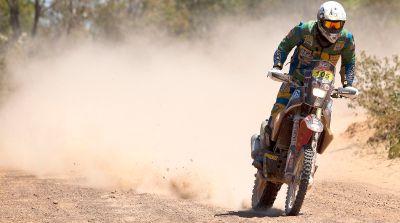 Felipe Zanol carrega a responsabilidade de ser o número 1 entre as motos no Sertões 2011