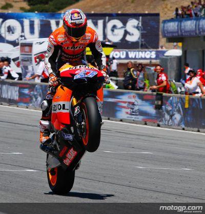 Casey Stoner, da Repsol Honda, levou a melhor sobre Jorge Lorenzo no Red Bull Grande Prémio dos Estados Unidos, numa espectacular corrida no famoso circuito de Laguna Seca.