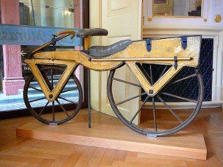 Primeira bicicleta feita por volta do ano de 1870