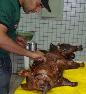 Porco no Rolete com sabor mineiro