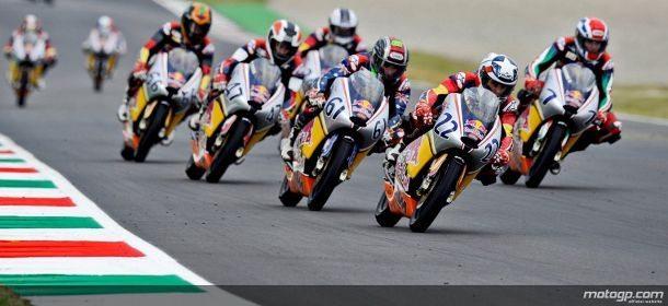 O jovem de 16 Arthur Sissis venceu a nona corrida da Red Bull MotoGP Rookies Cup da época em Mugello no sábado. Tomas Vavrous, de 18 anos, e Aaron España, de 13, foram segundo e terceiro respectivamente.
