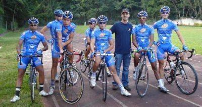 A equipe de ciclismo de Ribeirão Preto (São Francisco Saúde/KHS/SME Ribeirão Preto)