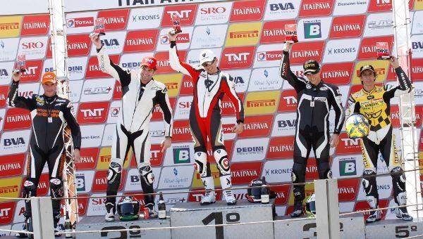 Pódio da categoria Pro depois da 5ª etapa do TNT SBK em Interlagos