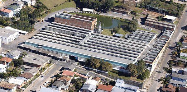 A empresa ocupa uma área de 35 mil m², em Bento Gonçalves (RS)