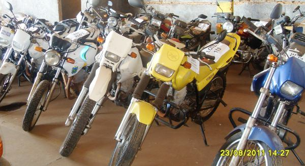 Entre as motos, lances iniciais variam entre R$ 200 e R$ 700.