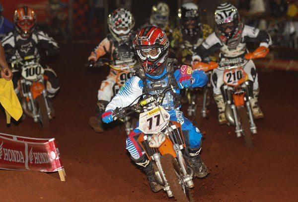 """Carlos Sousa """"Dadauzinho"""", piloto da categoria 50cc"""