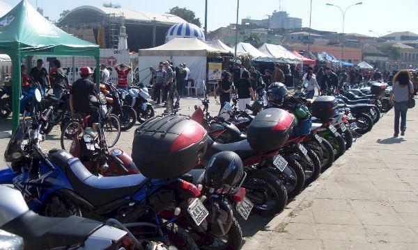 Motociclistas de todas as tribos no 12º Paranaguámotos.