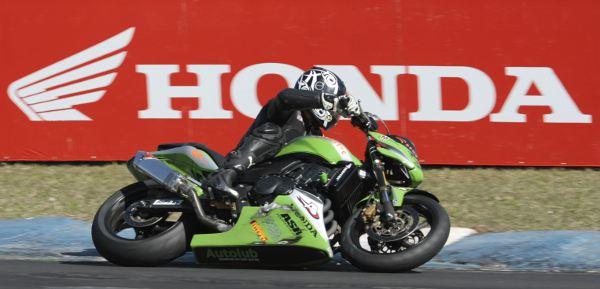 Provas das categorias CB 300R e 600 Hornet acontece neste fim de semana (13 e 14) no Autódromo de Interlagos