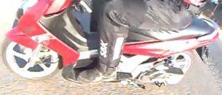 Boa dirigibilidade com as rodas grandes e boa proteção contra as intempéries