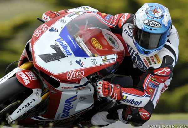 Carlos Checa no mundial de superbikes