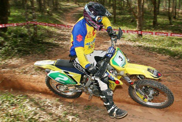 Nielsen Bueno, vencedor da classe Elite na 5ª etapa da Copa Pakato de Enduro em Mogi das Cruzes (SP)