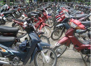 Qual a melhor moto para eu comprar? Sea_of_bikes