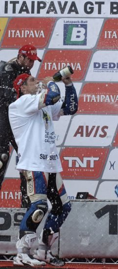 Danilo Andric (#64) comemorou bastante o título do TNT SBK neste domingo