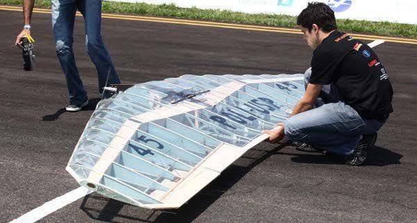 Aeronave da equipe Keep Flying, da Poli USP, tipo asa voadora