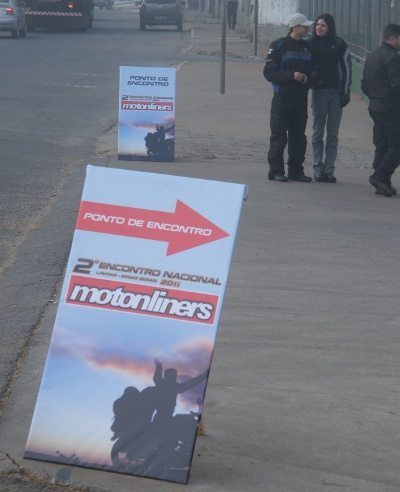 Placa de recepção aos participantes do 2º Encontro Nacional dos Motonliners em Lavras, MG deste ano.