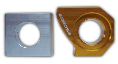 O tencionador de corrente: original (esq) e o fabricado pelo proprietário