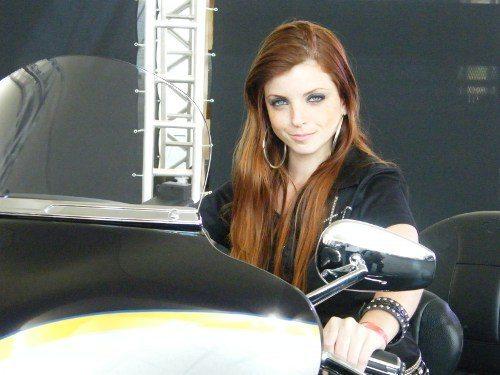 Mulheres bonitas e motos idem: atrações imperdíveis para quem gosta