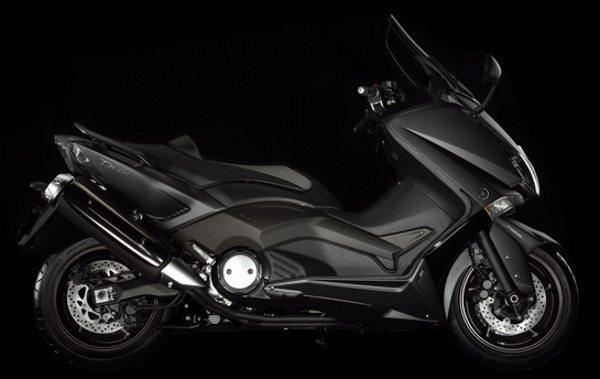 Yamaha TMAX: 530 cc e totalmente reestilizado
