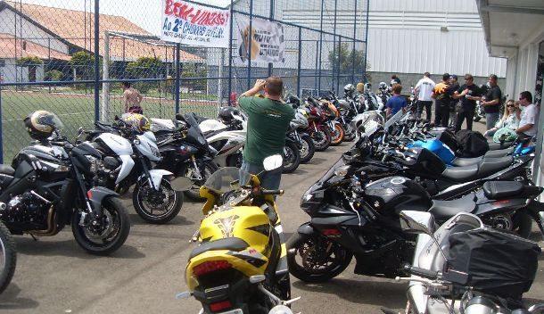 Algumas das motos dos participantes do encontro