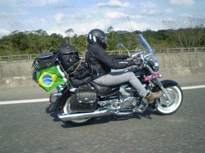 A foto vencedora, da motociclista Karla, de Campinas (SP)