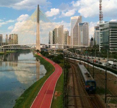 Vários parque de São Paulo estão interligados pela Ciclovia Rio Pinheiros