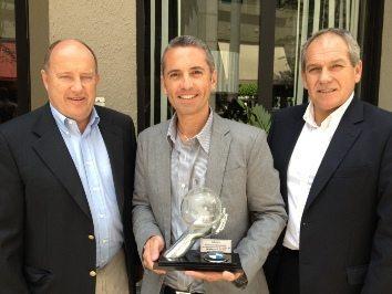 Hendrik Von Kuenheim, presidente mundial da BMW Motorrad, Alessandro Maia, presidente da Caltabiano e Hermann Bohrer, gerente de produção da fábrica BMW Motorrad em Berlin.