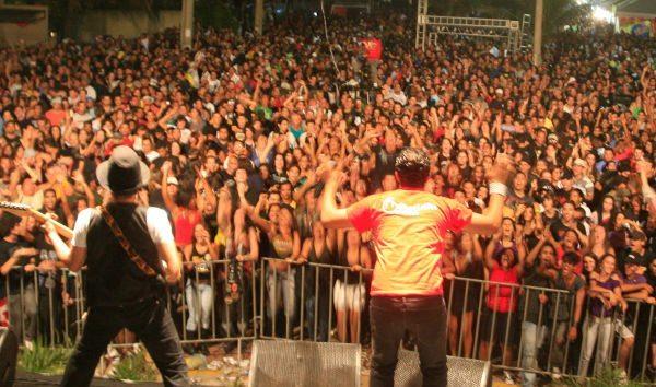 A banda Faixa Etária toca em Mangaratiba e em Rio das Ostras.