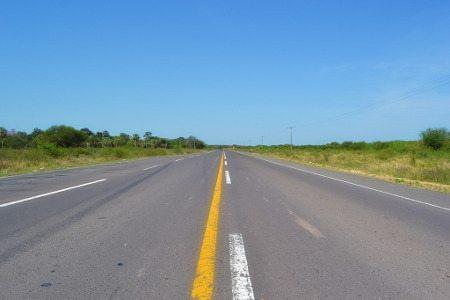 Ruta 9, no Paraguai: reta sem fim