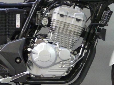 Motor musculoso para a categoria, com torque sempre disponível