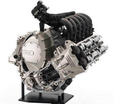Motor da BMW K 1600 GTL tem a largura máxima de 555 mm
