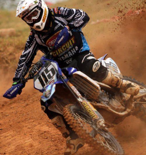 Carlos Campano lidera a MX1 com 50 pontos na classificação