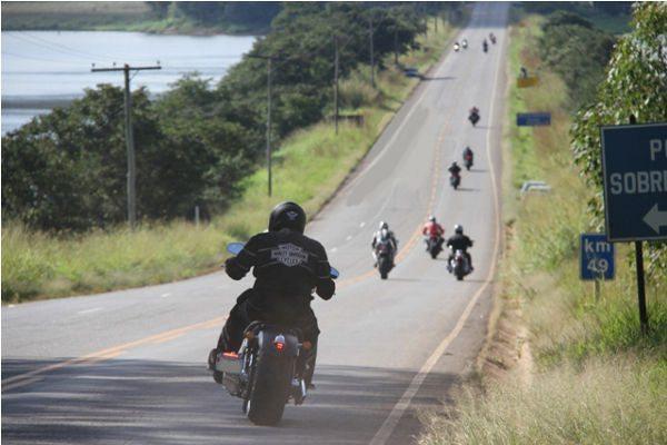 Encontros de motociclistas são sempre um ótimo pretexto para pegar a estrada