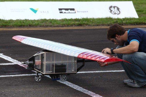 Projeto da equipe Aerofeg pode voar com cargas superiores a 14 kg