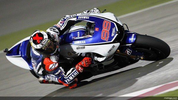 Lorenzo dominou todos os treinos e larga na pole no GP de estréia da temporada 2012