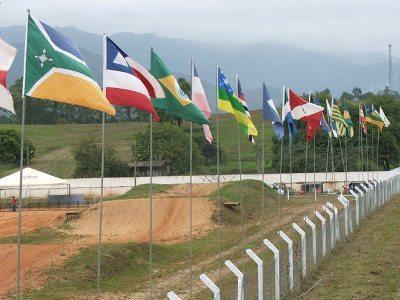 As bandeiras dos estados já tremulam no motódromo