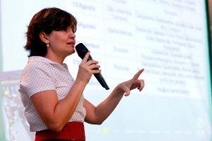 Carla Fornasaro, analista de Relações Institucionais da CCR NovaDutra e responsável pelo Programa