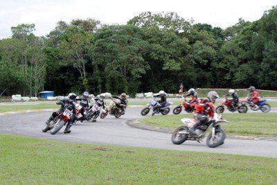 Pilotos aceleraram forte no litoral paulista