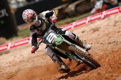 Dudu Lima venceu as duas baterias da MX2 e é líder do campeonato na categoria
