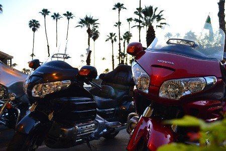 Nos EUA, por exemplo, há disponibilidade de aluguel de motos grandes de várias marcas