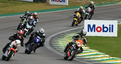 Igor Calura, piloto da Copa Honda CB 300R, no SuperBike Series 2012