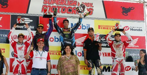 Pódio da categoria MX Pró da Superliga Brasil de Motocross