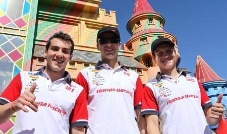 Pilotos Honda que disputam etapa brasileira do Mundial de MX relaxam no Parque Beto Carrero