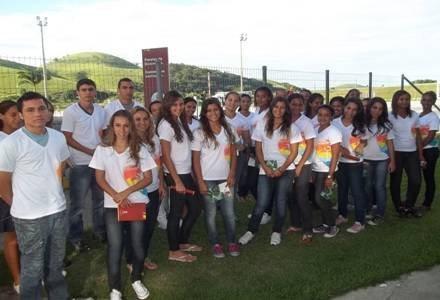 Jovens recebem treinamento básico para capacitação profissional: cidadania