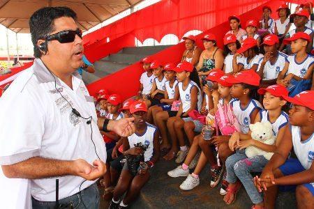 Carlinhos Romagnolli faz palestra para crianças