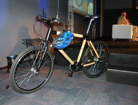 A bicicleta de bambu que faz parte do programa em São Paulo
