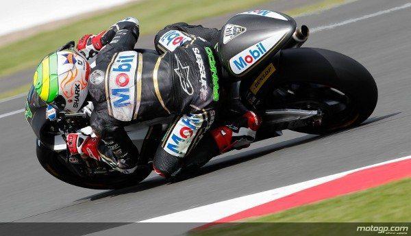 Num dia repleto de estreias, Eric Granado, do Team JiR, terminou os treinos livres de Moto2™ do Hertz Grande Prémio de Inglaterra em 33º na tabela combinada de tempos.