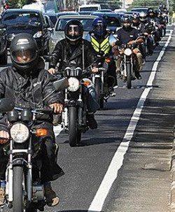 Pelo projeto de lei, a moto-faixa será obrigatória em municípios com mais de 100 mil habitantes