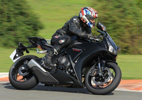 Ciclística impecável demonstra o cuidado da Honda com o prazer da pilotagem
