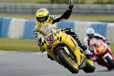 Apesar de pilotar uma motocicleta 2008, Doca consegue ser competitivo na SBK Series
