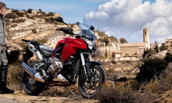 VFR 1200X Crosstourer: motocicleta oficial dos 20 anos do Megacycle